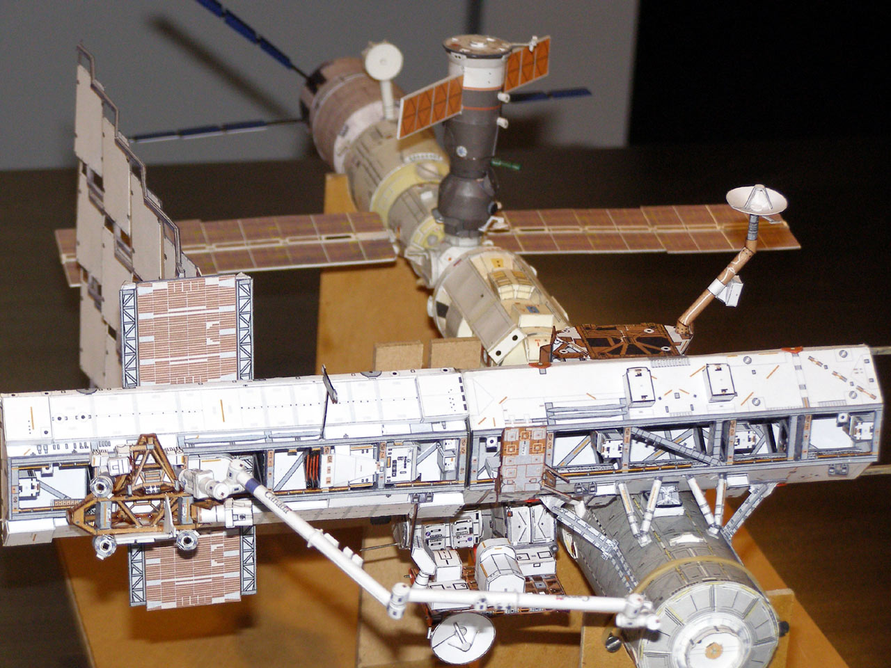Space Station Paper Model - Pics about space